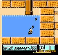 Aún disfrazado de Hermano Martillo, Mario se desenvuelve en el agua con su soltura característica.
