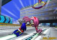 Sonic, no hagas enfadar a Amy, que tiene un martillo y es peligrosa...