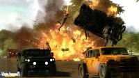 Otra de esas imágenes llenas de explosiones... todo el juego es esto