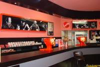 El bar del cine también fue decorado para la ocasión