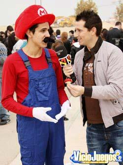 Otro falso Mario explicando el poder de las setas