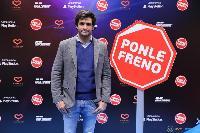 Carlos Sainz y PlayStation colaboran en la campaña PONLE FRENO