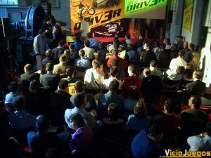 Más de 200 personas se dieron cita en la presentación de Driv3r