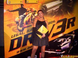 La guapísima Daniela Cardone fue la encargada de presentar el acto