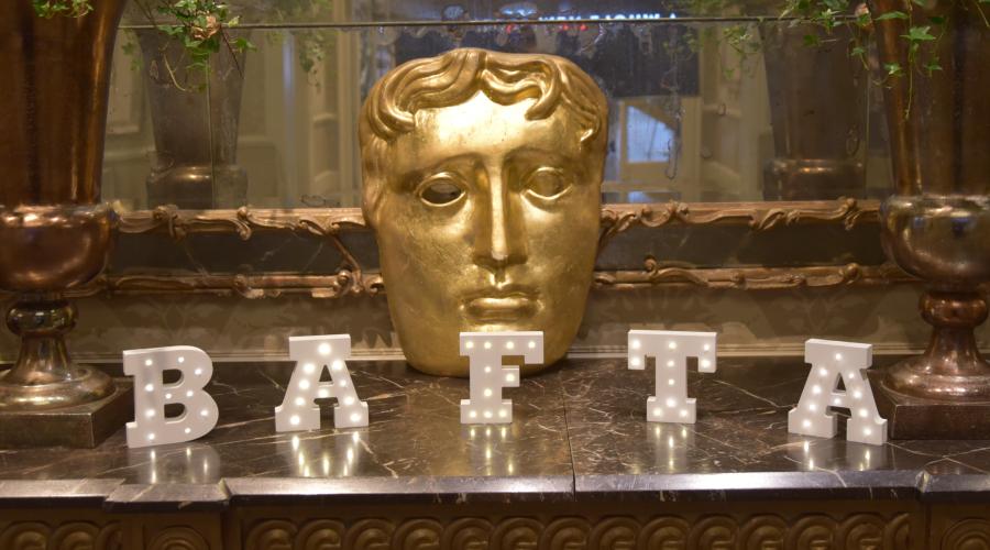 Se desvelan los premios BAFTA 2020 con resacosos estonios y graciosos exploradores como ganadores
