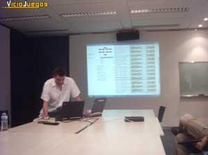 Simon nos muestra como acceder a la base de datos de juegos de fútbol de EA.