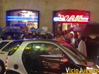 Este es el aspecto de la calle Preciados momentos antes de iniciarse la venta.