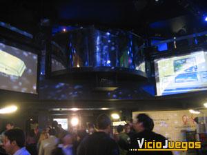 El ambiente dentro del recinto reflejaba la festividad de recibir una nueva consola en el mercado español