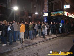 A partir de las 23 horas algunos miembros del Nintendo VIP pudieron entrar a la fiesta