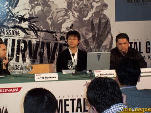 Por fin, EL hombre hizo acto de presencia. Kojima incluso nos dedicó unas palabras en castellano (eso sí, con fuerte acento japonés)