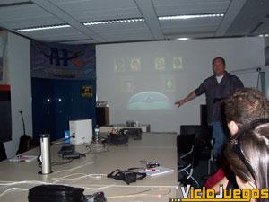 """Scott Amos nos muestra en la versión de PS2 el sistema """"genético"""" para crear a nuestro Sim."""